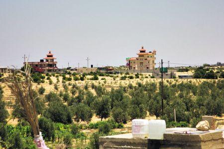Les villas du trafiquant Abou Omar près d'El-Mehdiya, à la frontière israélo-égyptienne. (Photo Baptiste de Cazenove)